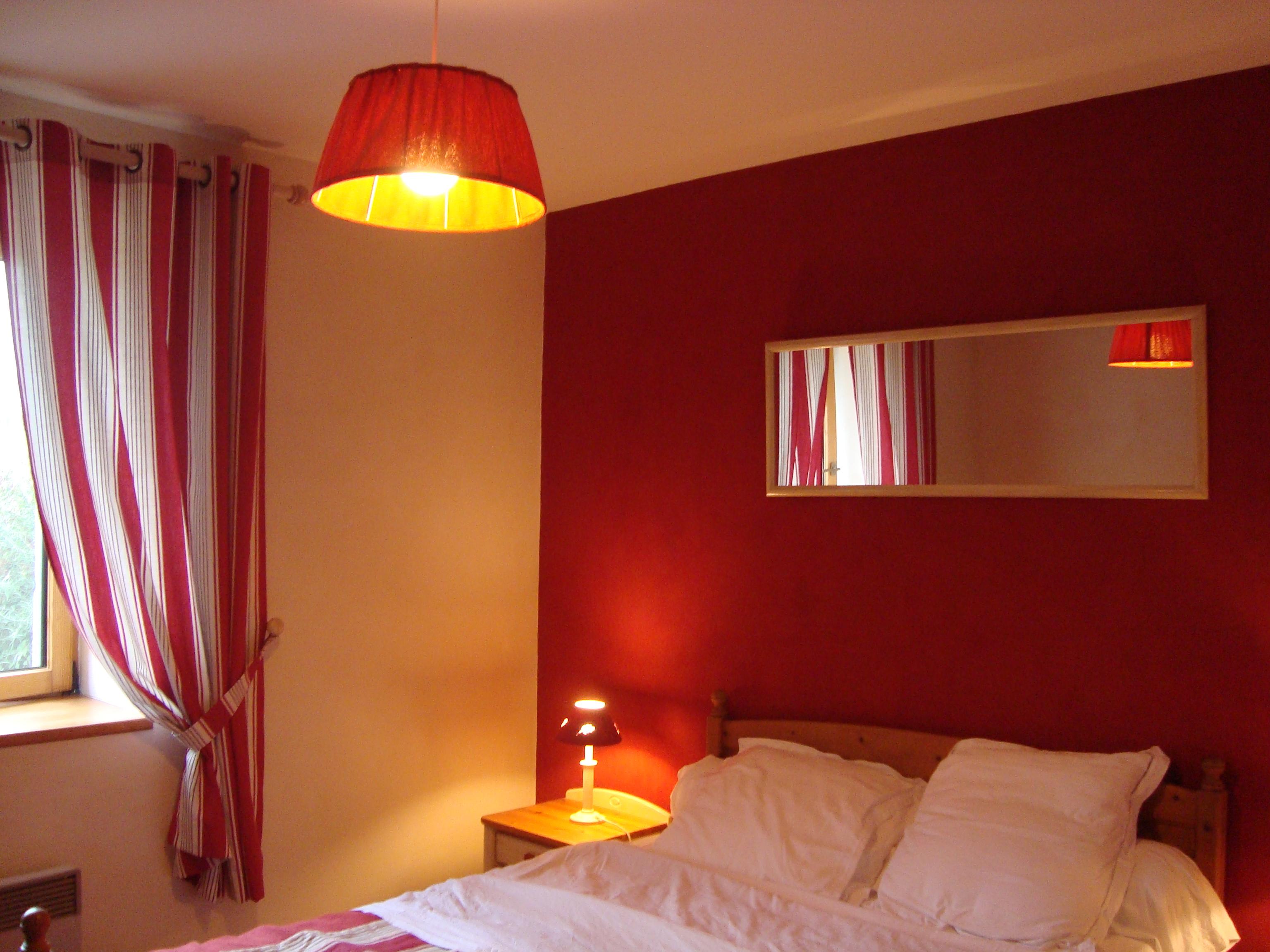 Merveilleux Perfect Deco Chambre Rouge Dedans Best Decoration Chambre Rouge Et Beige  Design With Deco Chambre Gris Et Rouge